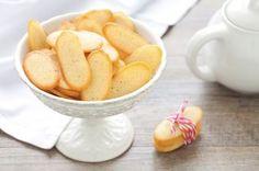 Cat's tongues recipe – Meat Foods Meat Recipes, Snack Recipes, Dessert Recipes, Snacks, Italian Cookies, Italian Desserts, Easy Delicious Recipes, Yummy Food, Unleavened Bread Recipe
