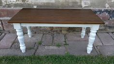 Krásný jídelní stůl je vyrobený ze smrkového - obrázek číslo 1