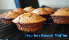 Blender muffins Flourless muffins that are so easy to make you can whip up a batch every morning. Healthy Treats, Healthy Baking, Yummy Treats, Yummy Food, Healthy Muffins, Brunch, No Bake Desserts, Dessert Recipes, Yummy Recipes
