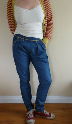 my first chino pants. Pattern was onion Sewing Pants, Sewing Clothes, Onion, Sewing Projects, Sewing Patterns, Denim, Pants Pattern, Clothing, Fashion