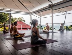 Looking for a yoga retreat in Thailand ? Koh Samui is one of the most beautiful island in South East Asia and propose a lot of yoga retreats. Find the one !