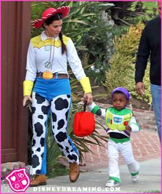 "Sandra Bullock And Her Son Louis Dress Up As ""Toy Story"" Characters For Halloween"