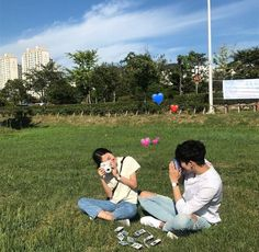 Image about love in Korean couple😍❤️ by Taelor Cute Couples Goals, Couple Goals, Love In Korean, Cute Couple Pictures, Couple Pics, Couple Photography Poses, Ulzzang Couple, Girl Photo Poses, Fashion Couple