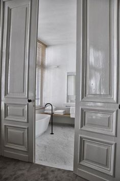 The grey door | Greige Design - Blog | Bloglovin'