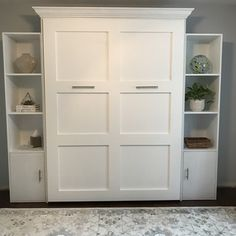 Decorate your room in a new style with murphy bed plans Murphy Bed Kits, Murphy Bed Desk, Best Murphy Bed, Murphy Bed Plans, Murphy Bed Office, Queen Murphy Bed, Murphy Bed Frame, Cama Murphy, Murphy Bes