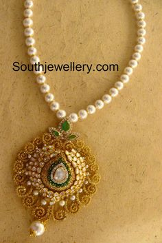 pearls necklace with pendant