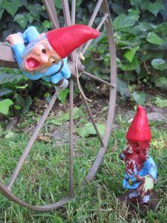 I heart zombie Gnomes!
