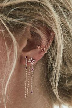Gold Heart Stud Earrings/ Minimalist Earrings/ Heart Earrings/ Rose Gold Earrings/ Gift for Her/ Dainty Earrings/ Graduation Gift - Fine Jewelry Ideas Ear Jewelry, Rose Gold Jewelry, Cute Jewelry, Bridal Jewelry, Jewelry Accessories, Vintage Jewelry, Beaded Jewelry, Jewelry Model, Hippie Jewelry
