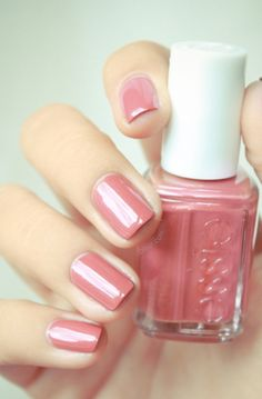 Love this muted pink. Perfect for those pink lovers who still want to wear a pink during the Autumn season.   Essie SNB