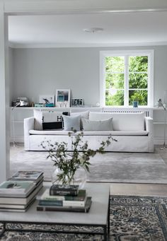 House of Philia färgkoder och färgsättningstips Living Room White, Living Room Paint, Living Room Furniture, Living Room Decor, Living Spaces, House Of Philia, Living Room Inspiration, Interior Design Inspiration, Home Decor Inspiration