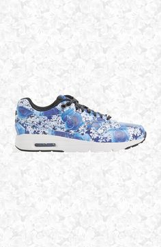 Floral Nike Air Max's! So cute and such a great running shoe.
