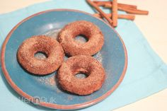 Love donuts but don't love eating fried foods? These apple cinnamon doughnuts reminded me of apple fritters, but they're baked!
