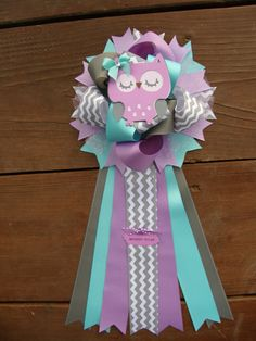 shower size is approx6wide 15long lots of ribbons make this
