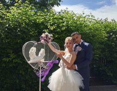 OFERTĂ 2018 Închiriem porumbei zbor nunți, arcadă decorativă, măsuță învelit mireasă, stâlpișori decorativi, colivii decorative și accesorii porumbei