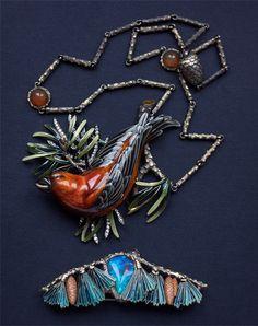 Ilgiz F. Crossbill necklace made in gold, diamonds and enamel http://www.katerinaperez.com/2016/04/01/inspired-by-nature-ilgiz-f/