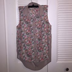 Elodie Floral Top Floral high-low blouse with floral print on the front and sheer back. Beautiful shirt for work or for fun! Size Small but can for Medium (flowy top) Urban Outfitters Tops