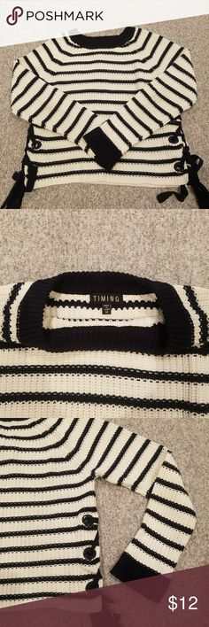 Cropped lace up sides sweater Dark navy and white striped sweater, cropped style, very warm Sweaters