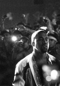 Oh Resplendent Yeezy. Kanye West Yeezus, Kanye West Style, Estilo Swag, Rap Wallpaper, Kanye West Wallpaper, Iphone Wallpaper, Mode Hip Hop, Black And White Aesthetic, Dark And Twisted