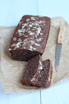 Gezond chocolade-bananen brood. Lekker, makkelijk en snel klaar. Bananen over? Maak dan dit recept! Klik op de foto voor het recept.