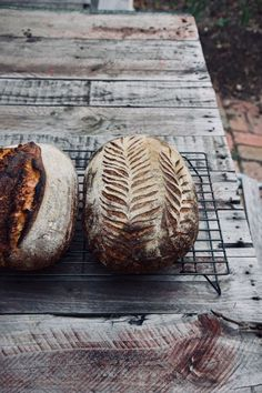 A recipe for rustic naturally leavened sourdough, made with honey, wholegrain oats and nutty spelt flour. Spelt Sourdough Bread, Types Of Honey, Dough Ingredients, Spelt Flour, Delish, Spoon, Homemade, Breads, Bakery