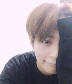 "160826 Heejun's Tweet ""[희준] 내 입술이 무서운걸 봤나보다 #크나큰 #희준 "" my lips look scary #KNK #Heejun Translated by KNK International © TAKE OUT WITH FULL CREDITS"