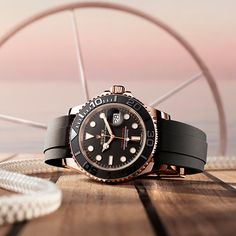 Rolex Yacht-Master 40 in 18ct Everose gold, with an Oysterflex bracelet in elastomer and a Cerachrom bezel in black ceramic.