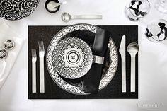 Black and white place setting. #dining #entertaining #ideas #dinnerware /Accessoires de table noirs et blancs #salleàmanger #amusant #idées #vaisselle  Enter Contest: http://www.homesense.ca/en/pinterest-contest.asp   Participer: http://www.homesense.ca/fr/pinterest-contest.asp  #HomeSenseStyle