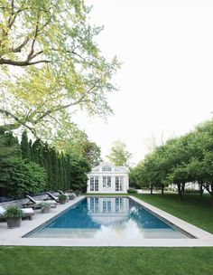 Having a pool sounds awesome especially if you are working with the best backyard pool landscaping ideas there is. How you design a proper backyard with a pool matters. Casas Na Georgia, Urban Gardening Berlin, Swimming Pool Designs, Garden Photos, Home Photo, Cool Pools, Pool Houses, Outdoor Pool, Outdoor Cabana