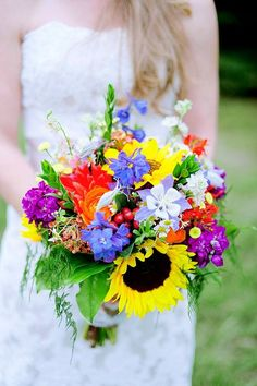 Rustic Colorado bridal bouquet with fresh columbine by flowers forever design