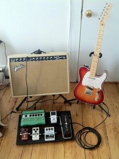 Fender Tele, Fender Deluxe Reverb Amp and a nice simple pedalboard. Telecaster Guitar, Guitar Rig, Fender Guitars, Guitar Pedals, Music Guitar, Cool Guitar, Bass Amps, Guitar Collection, Guitar Building