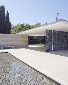 The Barcelona pavilion designed by Van Der Rohe. #archixxi #barcelona #architecture