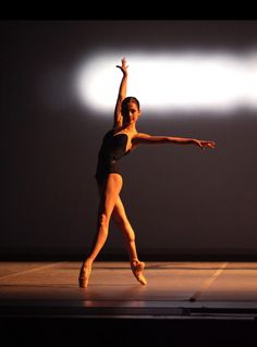 Tracy Jones, Corella Ballet Photograph : Fernando Bufala