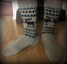 Lankapirtti: Taas hirvet törmäilevät Knitting Socks, Hand Knitting, Hand Warmers, Knitting Projects, Mittens, Headbands, Knit Crochet, Slippers, Hands