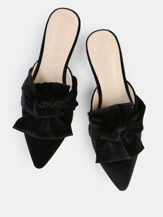 Online shopping for Ruffle Knot Velvet Flats BLACK from a great selection of women's fashion clothing & more at MakeMeChic. Bow Shoes, Bow Flats, Pump Shoes, Denim Flats, Strappy Flats, Pumps, Sandals, How To Make Jeans, Wedding Flats