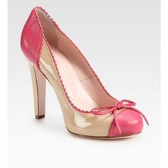 RED Valentino - Frilly Patent Leather Colorblock Bow Pumps - I'm loving the look of these shoes :) Pretty Shoes, Beautiful Shoes, Cute Shoes, Me Too Shoes, Red Valentino Shoes, Basson, Looks Country, Shoe Boots, Shoes Heels