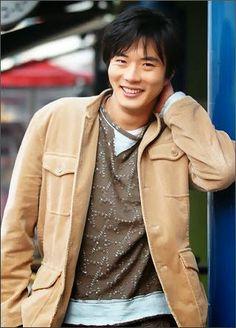 """Kwon es internacionalmente visto como un Símbolo sexual, fue nombrado """"Hombre Más Atractivo"""" (Most Beautiful Man) en agosto de 2006 en la página web mostbeautifulman.com"""