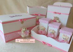 Kit ursinhas - 7 peças kecaatelie@gmail.com Home Crafts, Diy And Crafts, Kit Bebe, Baby Kit, Baby Room Decor, Wooden Boxes, Diy Tutorial, Ideas Para, Toy Chest
