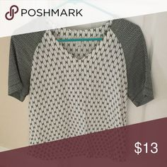 Breezy, Summary Fossil Top XS - Black and Cream - 100% Silk -- Hand Wash Cold -- Rarely Worn Fossil Tops Blouses