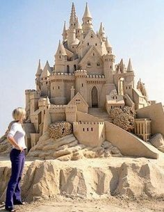 Now that is a dream of a sand castle! Love This Magnificent Dream Sand Castle! Sculpture Metal, Ice Art, Snow Sculptures, Snow Art, Beach Art, Beach Play, Sand Play, Oeuvre D'art, Strand