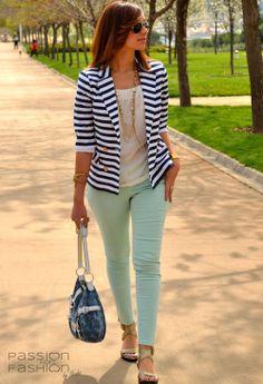 http://cdn.chicisimo.com/thumbs/files/2012/04/blanco-blazers-zara-jeans~look-main.jpg