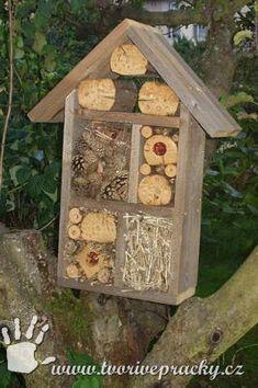 Hmyzí hotel Bird Feeders, House, Outdoor Decor, Crafts, Home Decor, Manualidades, Home, Haus, Handmade Crafts