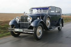 ŠKODA 860 Vintage Cars, Antique Cars, Seat Cupra, Vw Group, Storyboard, Bugatti, Cars And Motorcycles, Military, Passion