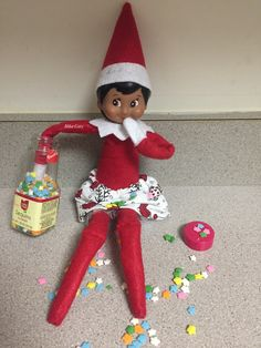 Latest Pics Awesome Elf on the Shelf Ideas for Kids - DIY Cuteness Aweso. Suggestions Awesome Elf on the Shelf Ideas for Kids – DIY Cuteness Awesome Elf on the She Christmas Elf, All Things Christmas, Christmas Carol, Charlie Brown Christmas, Awesome Elf On The Shelf Ideas, Elf Is Back Ideas, Elf Magic, Elf On The Self, Naughty Elf
