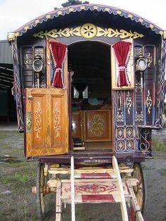 Gypsy Caravan, Gypsy caravans, Gypsy Waggons and Vardos: Features and Articles - Vanlife & Caravan Renovation Gypsy Trailer, Gypsy Caravan, Gypsy Wagon, Tarot, Hippie Camper, Gypsy Home, Gypsy Living, Caravan Renovation, Pallet House