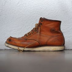 Ryan Gosling Red Wing boots no. Red Wing Heritage Boots, Red Wing Boots, Mode Shoes, Men's Shoes, Wing Shoes, Ryan Gosling, Red Wing Moc Toe, Shoe Company, Cool Boots