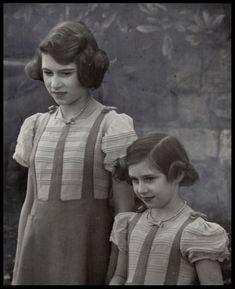 Vizita lui George VI al Marii Britanii în Canada, mai 1939. Elisabeta (viitoarea Elisabeta II a Marii Britanii) şi sora ei mai mică, Margaret Rose, răman la Windsor. Peste doar câteva luni trupele lui Hitler intră în Polonia.