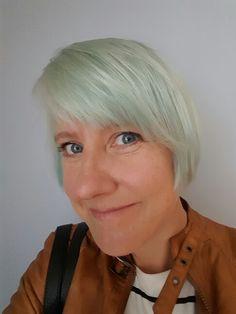 Blått hår etter 14 dager. Juni 2015
