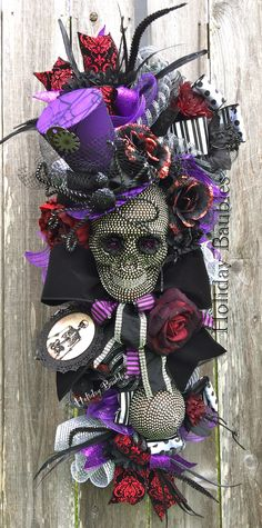 Blingy Skull by Holiday Baubles … Halloween Prop, Scary Halloween Decorations, Halloween Signs, Halloween Skull, Holidays Halloween, Halloween Crafts, Happy Halloween, Halloween Wreaths, Victorian Halloween