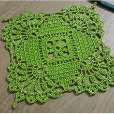 35 examples of beautiful knitting patterns - Crocheting Ideas Crochet Dollies, Crochet Lace Edging, Crochet Blocks, Granny Square Crochet Pattern, Crochet Squares, Thread Crochet, Crochet Flowers, Granny Squares, Knitting Patterns