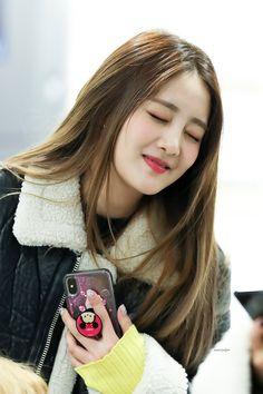 Kpop Girl Groups, Korean Girl Groups, Kpop Girls, My Girl, Cool Girl, Fandoms, Cube Entertainment, Soyeon, Korean Celebrities